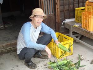 井黒さんとトウモロコシ